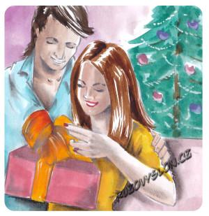žena rozbaluje dárek