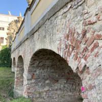 Most zámku