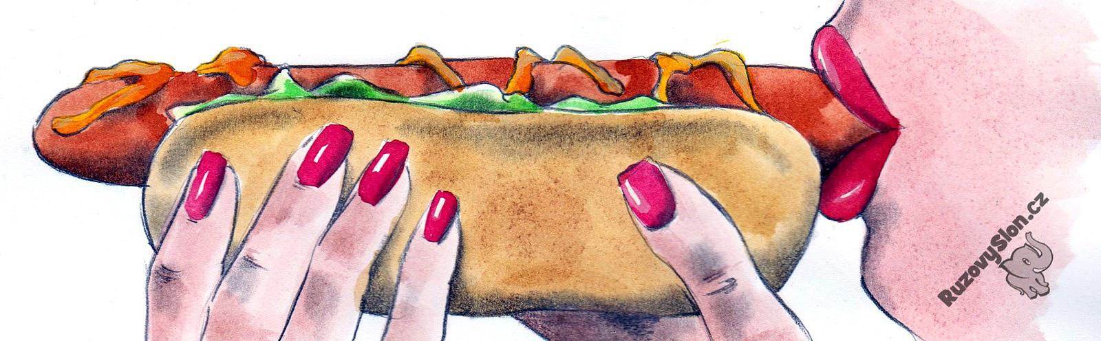 žena jí hot dog