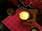 Masážní svíčka LELO - hruška a cedrové dřevo