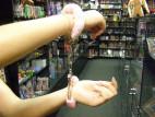 Kvalitní pouta na ruce s plyšem - růžová
