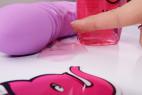 Malina, lubrikační gel – ukazujeme, jak je elastický