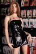 Lesklé šaty Beltis – na figuríně
