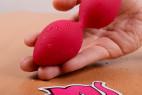 Vibrační kuličky Love Balls – v ruce