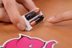 Joymatic Touch Vibe, dotykový vibrátor – baterie uložené v pouzdře