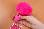 Anální kolík Pinky Bunny – v ruce