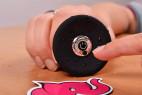 Vibrační anální kolík Smooth Fantasy, v ruce záběr na ovládání
