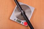 Rozpěrná tyč Metallic Bar – vážíme tyč, stolní váha ukazuje 252 g