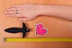 Vibrační anální kolík Stinger – měříme délku menšího kolíku
