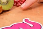 Shunga Asian Fusion – masážní olej na stole, ukázka hustoty