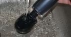 Masážní vibrátor Power AkuWand II, pod tekoucí vodou