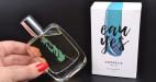 Pánský Eau Yes Amorelie parfém s feromony, v ruce