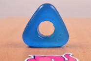 Erekční kroužek Triangle Ring, na stole